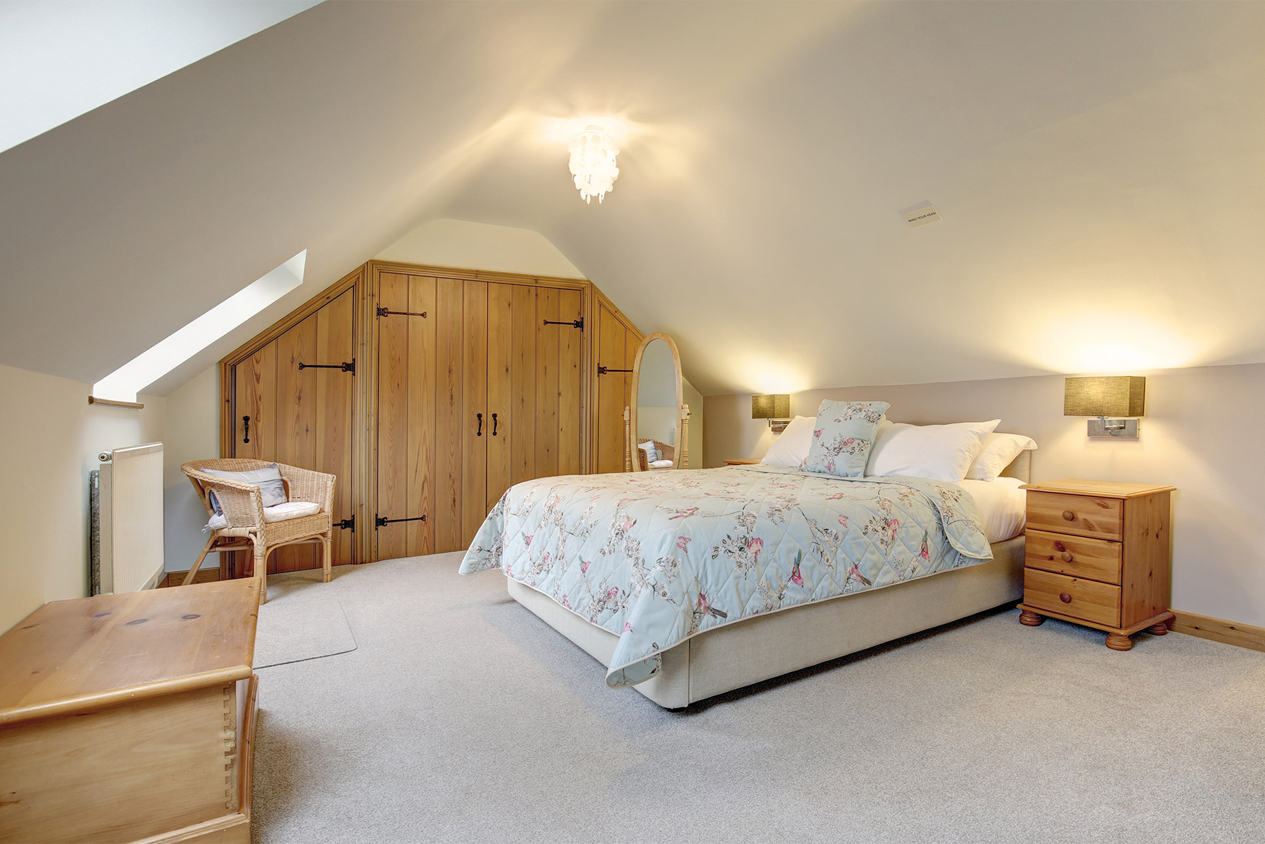 Lavender Barn - Double Bedroom 3